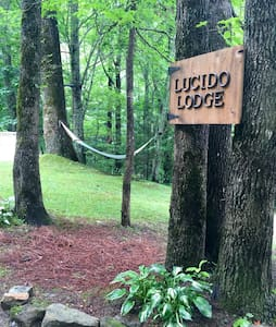 Lucido Lodge - Cullowhee - Cabin