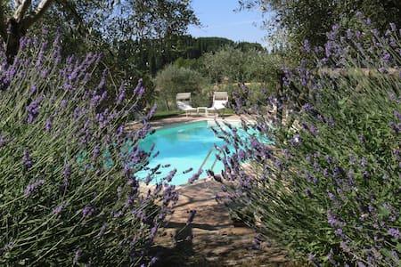 Charming House in Cortona Cipollaio - Cortona (Località Farneta)