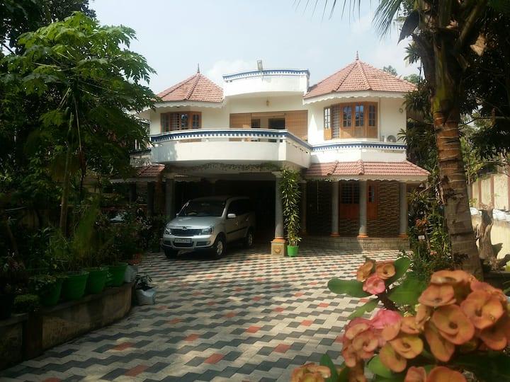 GRAND HOME TO STAY Thiruvalla,kunnamthanam,kerala.