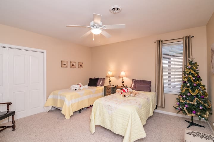 Simple and Sweet Bedroom.  This room can have 2 Extra Long Twin Beds, or 1 King Size Bed.  The bathroom for this room is just around the corner.  Soap, Shampoo, Blow Dryer,  and Towels provided.  NOTE: Maximum number of people for this room is 2.