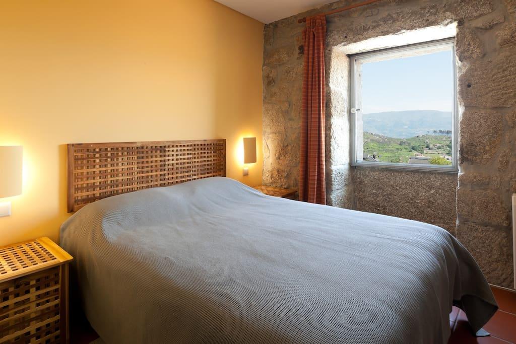 Quarto/Suite com cama de casal e vistas Douro.