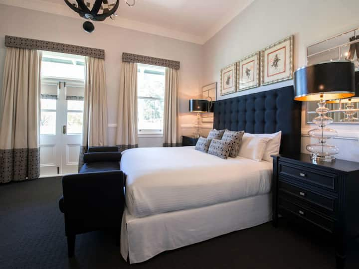 The Convent Hunter Valley Premier Room - Room Only