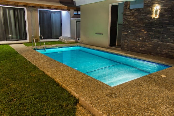 Bonita y nueva estancia + alberca climatizada (A6)