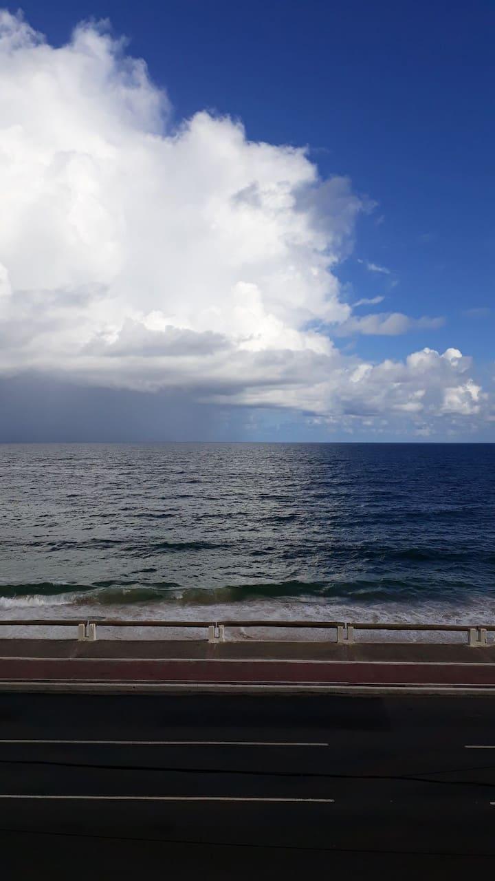 Flat com vista para o mar e boa localização