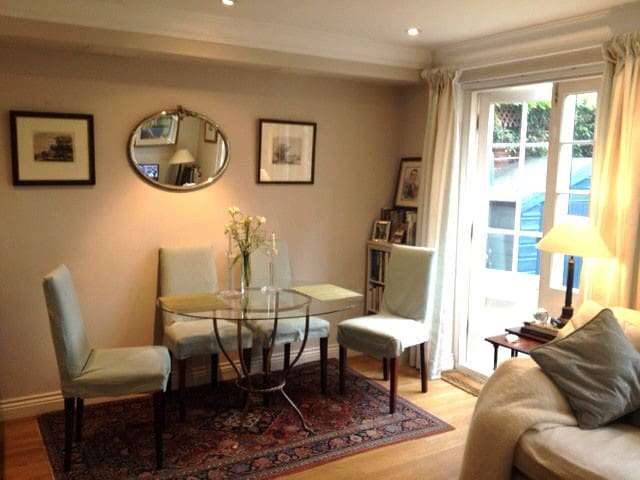 Large double room in Canterbury - Canterbury - House