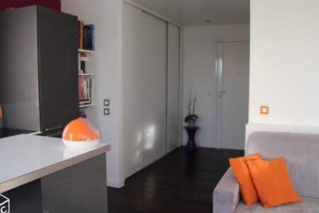 Studio charmant & cosy 12' de Paris - Коломб