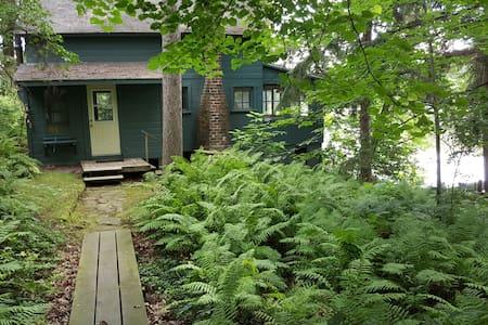 The Schwartz Cabin - Brodhead - Blockhütte