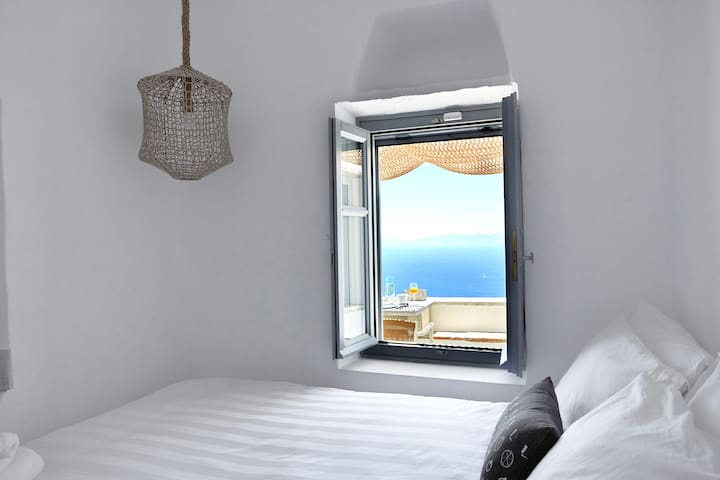 Deluxe Double Room with Outdoor Jacuzzi & Sea View