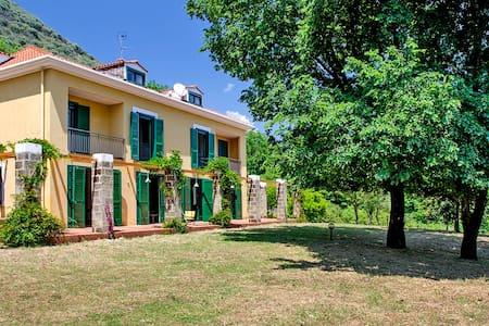 Villa Amato - Pezzano-filetta
