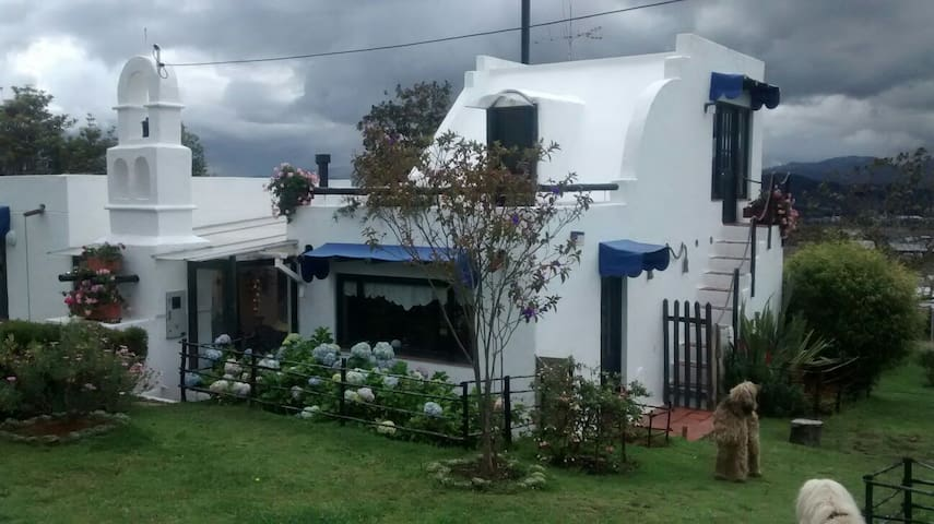 House in the mountains, near Bogotá
