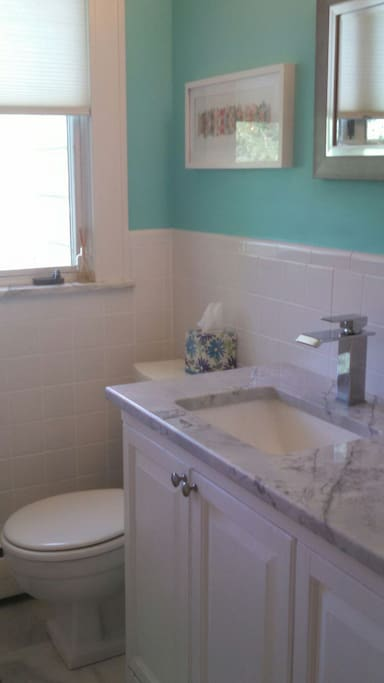 Private room with dedicated bath houses for rent in for Rhode island bath house