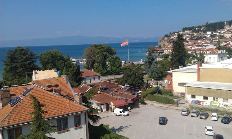 Lake view apartment in Ohrid