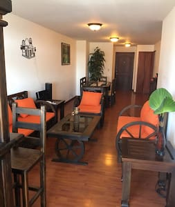 Nice Apt best location with parking - Guatemala - Lakás