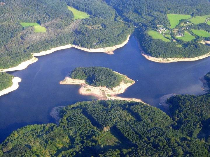 Eco Lodge au bord du lac de Chaumeçon