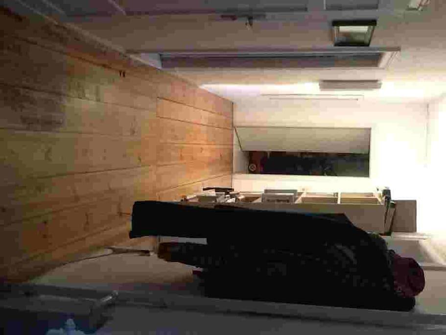 grosse wohnung im prenzlauer berg wohnungen zur miete in berlin berlin deutschland. Black Bedroom Furniture Sets. Home Design Ideas