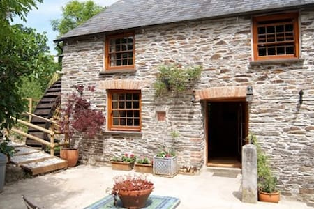 Pawton Mill Cottage Grade II listed - Wadebridge - Hus