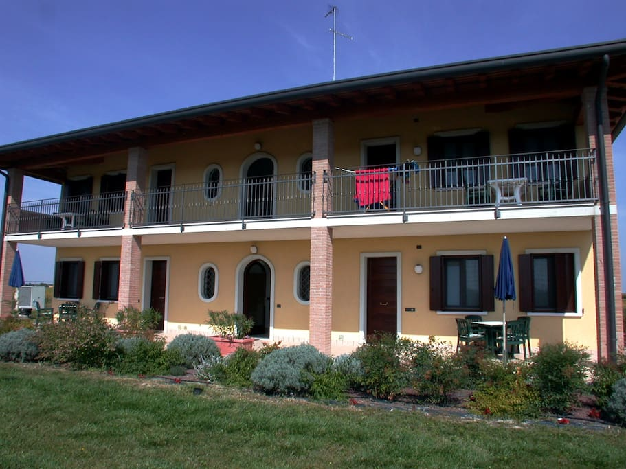 The Folaghe Apartments with the wonderful garden and terrace of the italian holiday homes