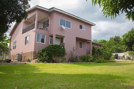 Senchi vacation rental,Akosombo. - Casa