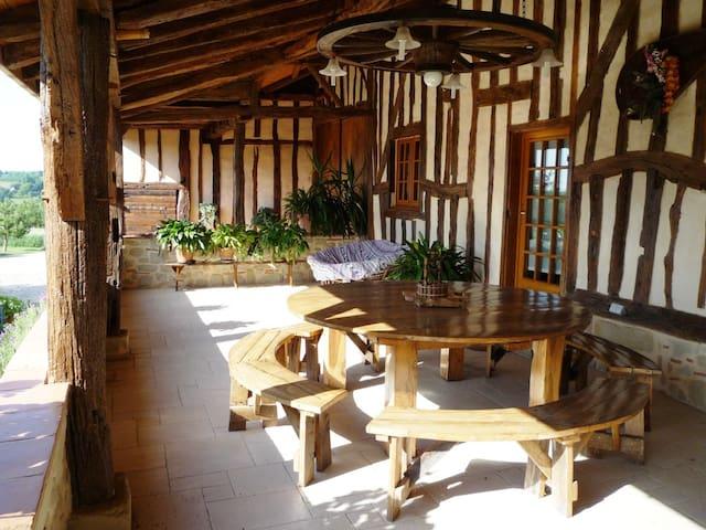 Vacances à la campagne en Périgord - Tombebœuf