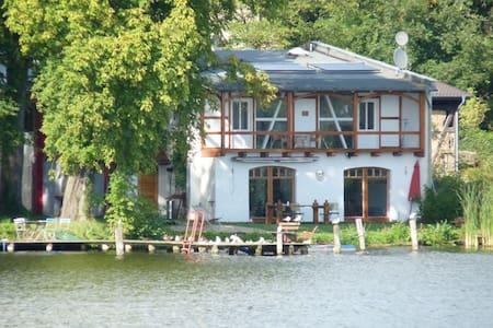 Bootshausvilla am See nahe Berlin - Königs Wusterhausen