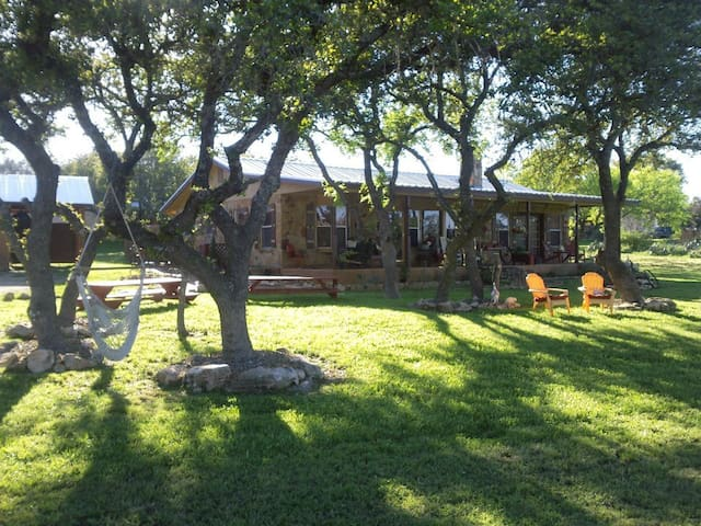 Jill's Bistro & Bunkhouse in the Hill Country