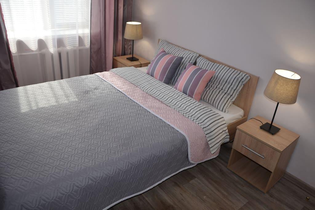 Спальня. 1 двуспальная кровать.