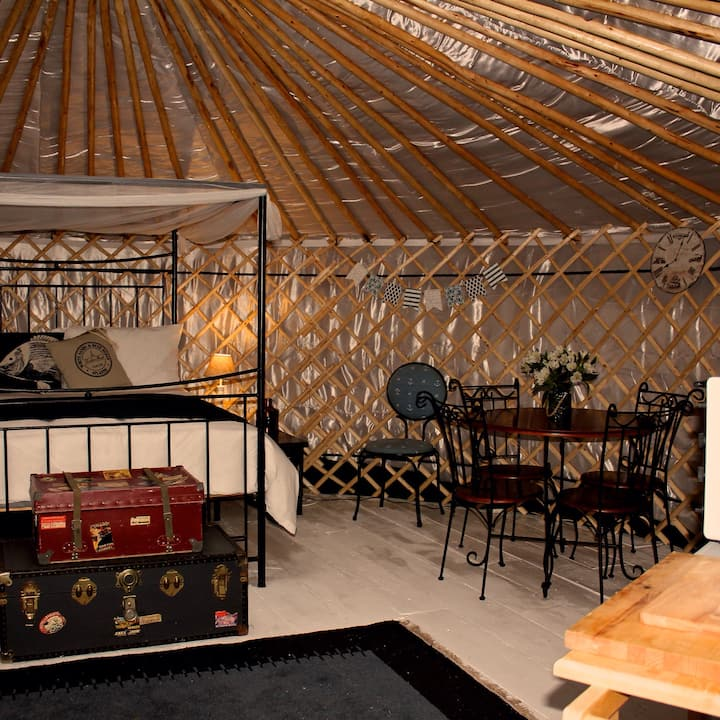 'Genoa'  a luxurious yurt with sea & harbour views
