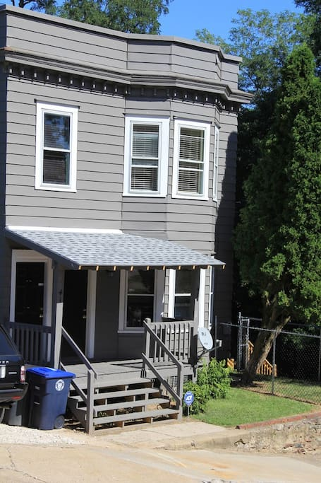 Renovated 1903 duplex on Akron's historic Cadillac Hill
