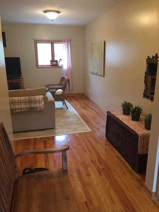 Coachhouse In Central Op 4 Blk To L Apartments For Rent In Oak Park Illinois United States