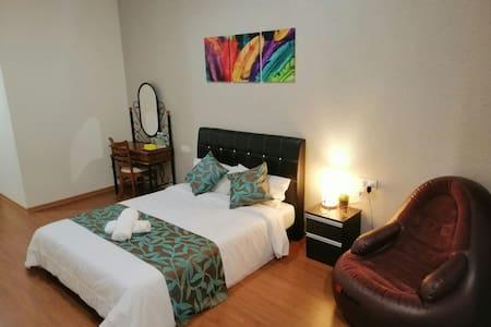 Ivory Hotel & Resort (Deluxe Room)