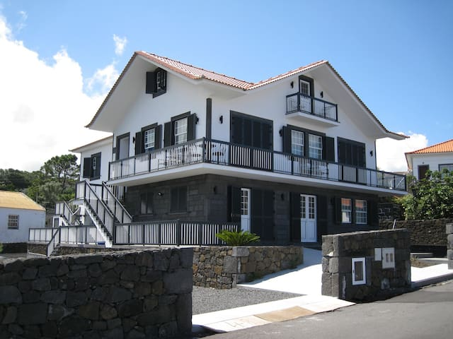 Casa Menezes do Pico Ocean front - Santo Antonio, Sao Roque - Appartement