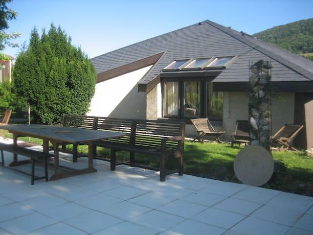 Villa d'architecte de plein pied avec piscine - La Murette - Talo