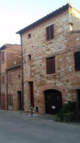 Casa Cesena - Montefollonico - Casa
