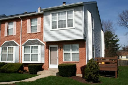 Townhouse Community! - Norristown