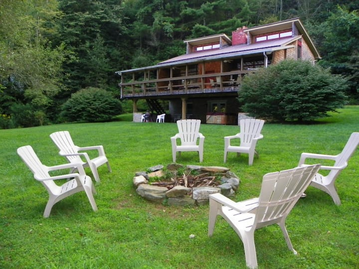 Quiet-Hot Tub, Fire Pit, River, Fresh Air, Cozy