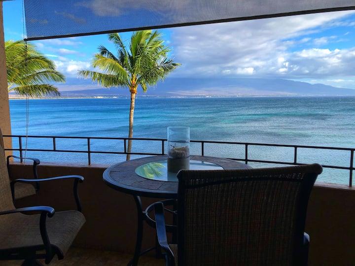 Relaxing ocean-front views! Island Sands Condo