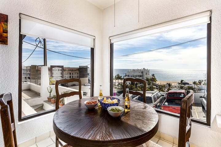 Affordable Beach Lovers Paradise + Great Location!