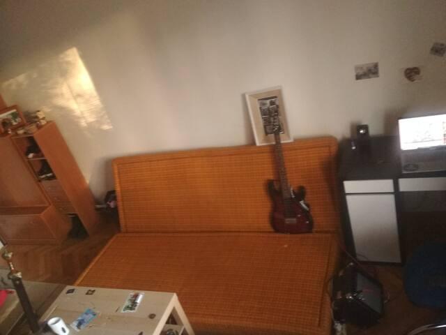 Príjemna priestranná vybavená izba