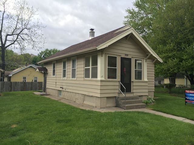 "The ""Tiny House"" In Benson - Omaha - House"