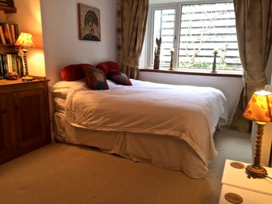 The Oak room is very spacious and can be kingsize or twin with the potential to add a third bed.