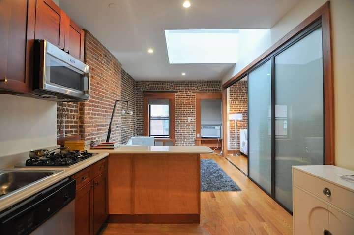 Charming renovated Entire 1 bedroom