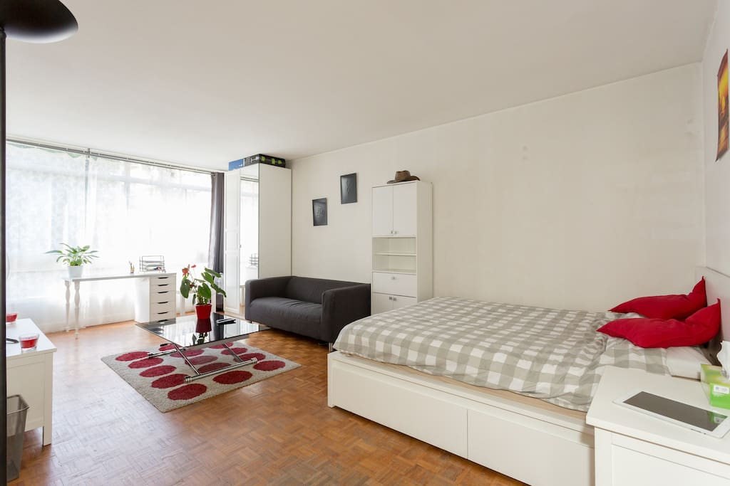 trendy studio porte de versailles apartments for rent in paris le de france france. Black Bedroom Furniture Sets. Home Design Ideas