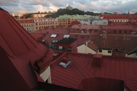 Spacious attic with stunning view - Gotemburgo