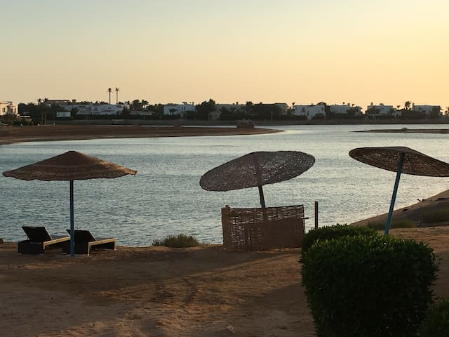 Twin-Lagoon Apartment at El Gouna