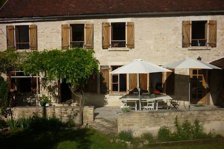 Gîte Joli entre Chablis et Vézelay - Châtel-Censoir