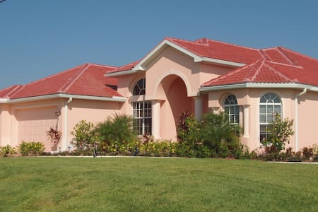 Beautiful Villa Selina - Cape Coral