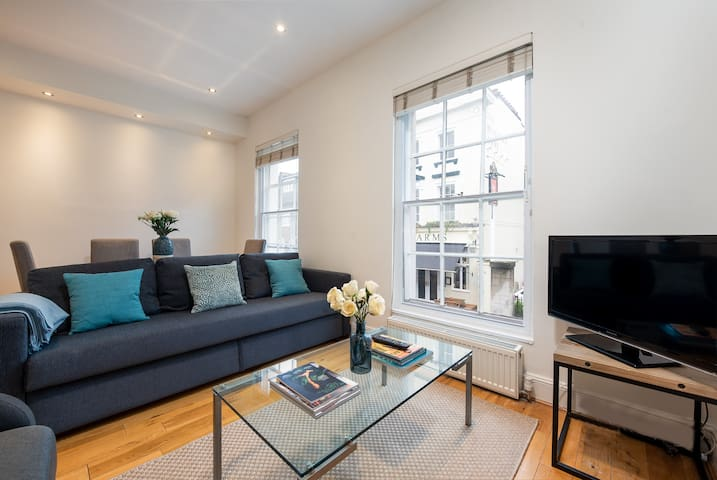 Two Bedroom Apartment in the Heart of Chelsea - BS