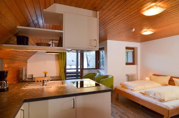 Schwarzwaldmädel-Ferienwohnungen, (Todtnau-Muggenbrunn), Ferienwohnung für max. 2 Personen