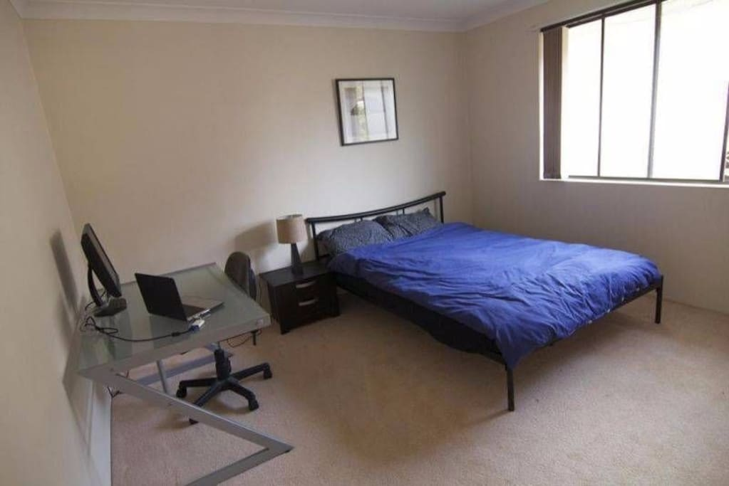 Double Bed & Desk