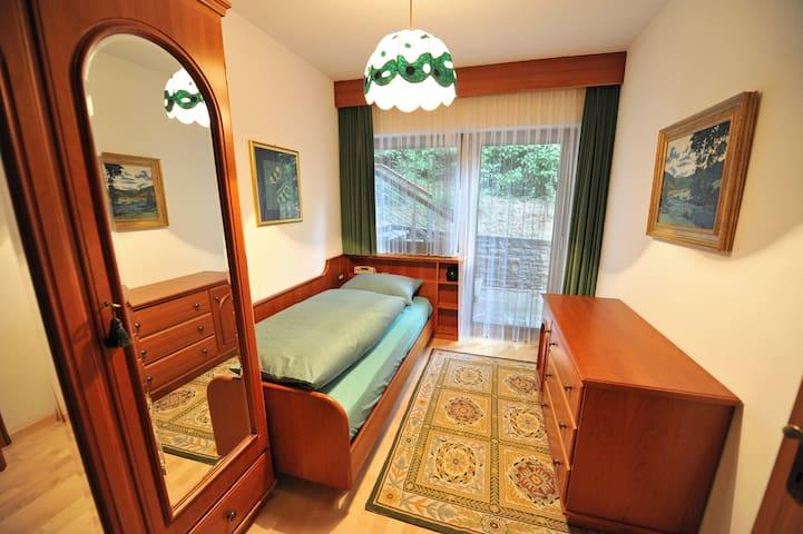 Single room Green